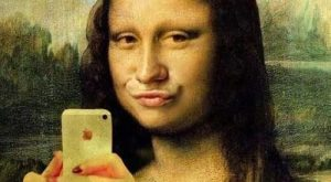 Funny Mona Lisa iPhone Selfie Picture