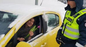 Lithuanian police tradition: pull over every female driver on International Women's Day ...