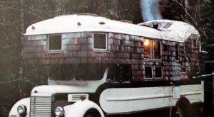 Combining Tinyhouses and Vanlife, These Housetruckers Were Popularized in the s