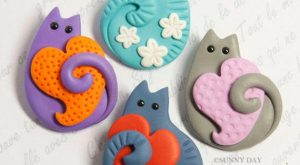 Funny Cat Brooch handmade polymer clay jewelry Pin cute cat kitty heart flowers spring…